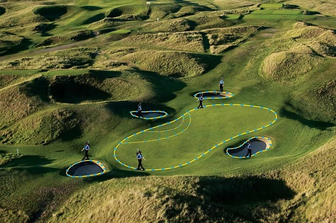 The landscape of a golf course that can be seen through a rangefinder