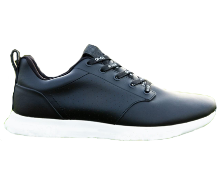 A Tomo shoe, one of the best spikeless golf shoes of 2020