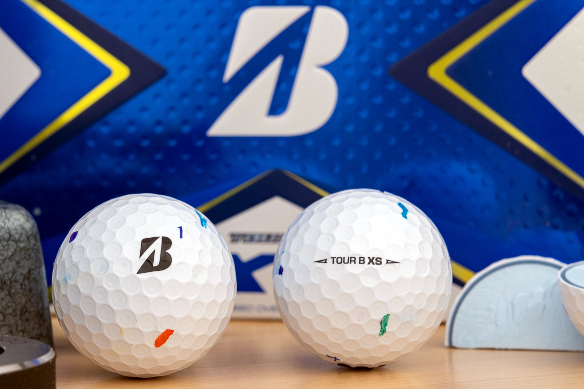 a photo of the Bridgestone Tour B XS including side stamp and cutaways.