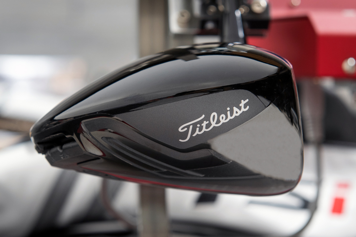 a profile view of the Titleist TSi3 driver