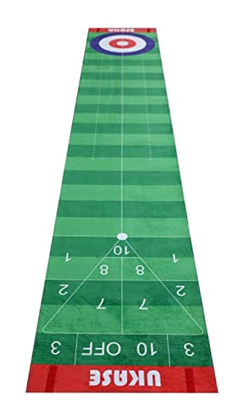 A Ukase Mat, one of the best indoor putting mats
