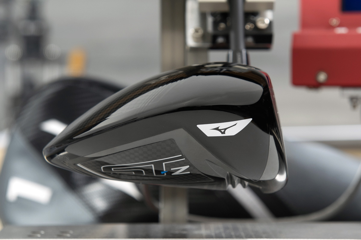 a side view of the Mizuno ST-Z driver