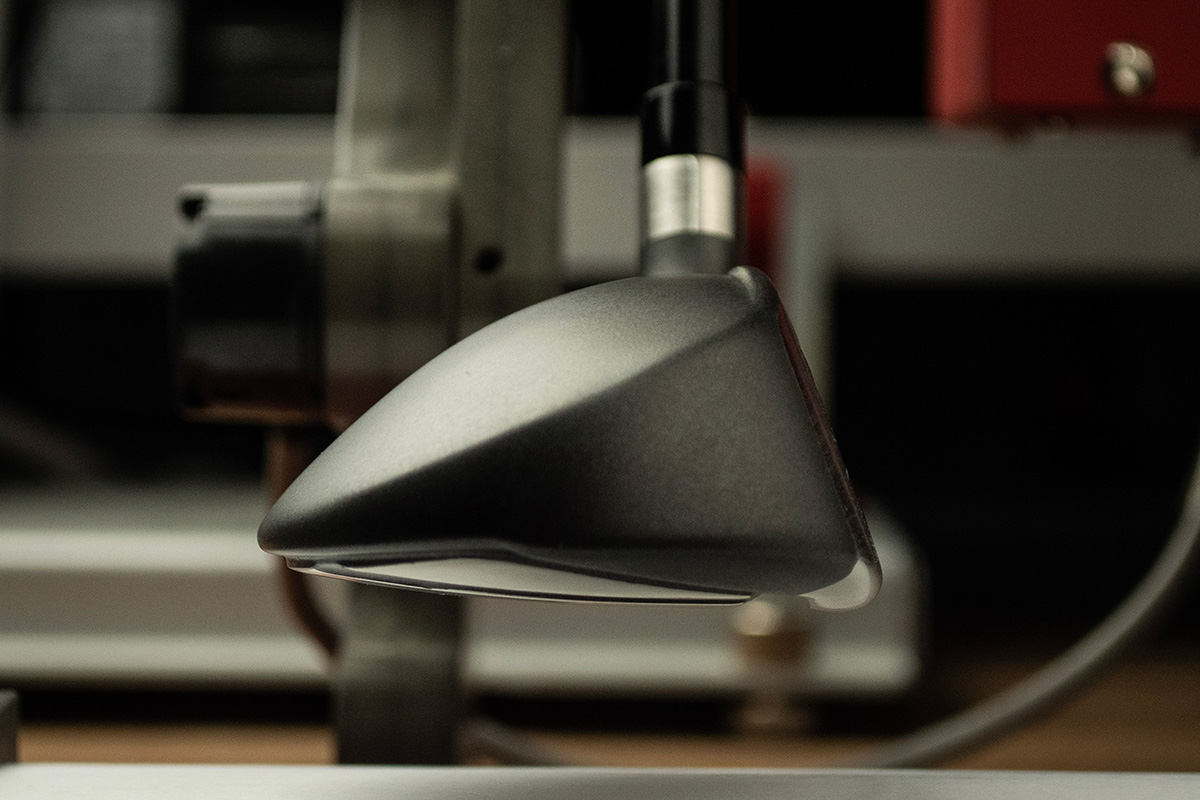 A profile viewing showing the extended face on the all-new Adams Tight Lies